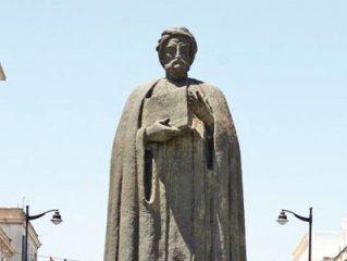 پدر فلسفه نوین تاریخ. نویسنده: سورنا گیلانی