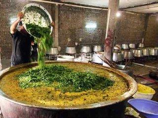 نایین؛ نمایی از فرهنگ خوراکی یزد و اصفهان.