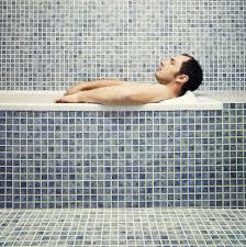 5 اشتباهی که در هنگام استحمام انجام میدهید!