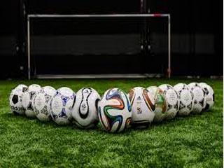 اشکال گوناگون فوتبال: ضربه نواختن به توپ دور میدان